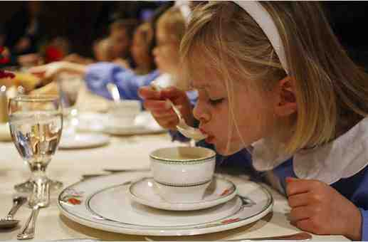 kid-etiquette-table-manners